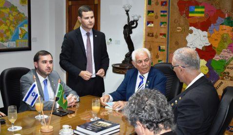 Embaixador de Israel no Brasil visitou a Universidade Tiradentes