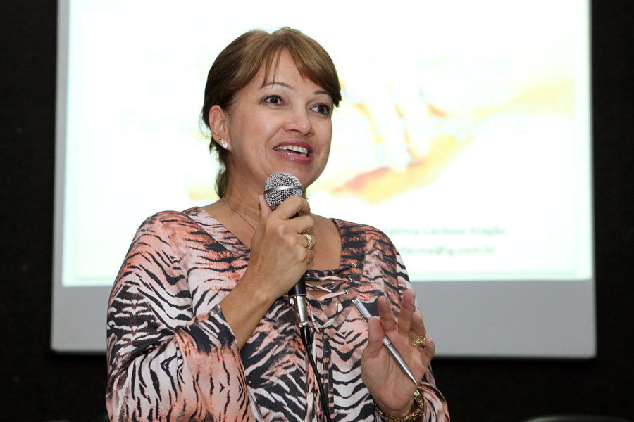 Para a farmacêutica Maria de Fátima  o profissional hoje atua de forma diferenciada