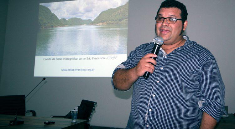 O palestrante e membro do Comitê, professor Melchior Nascimento