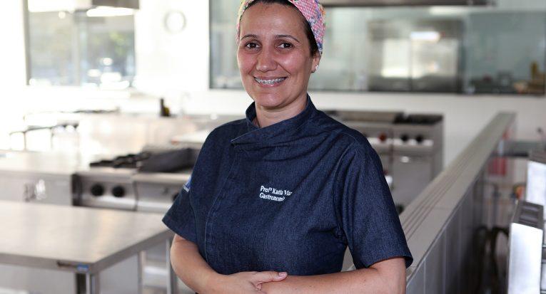 Kátia Viana na coordenação do curso