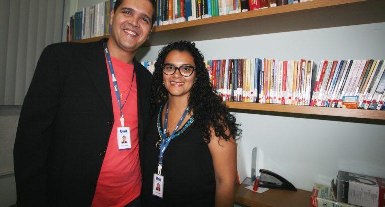 Professores Paulo César e Sara Julianne, precursores com metodologias ativas no curso de Administração Unit EAD
