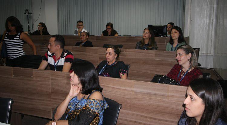 Coordenadores prestigiam a aula inaugural da Pós em EAD