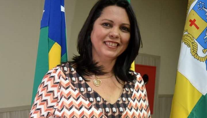 Maria José Guimarães Vieira é licenciada em pedagogia e tem mestrado em Ensino de Ciências e Matemática