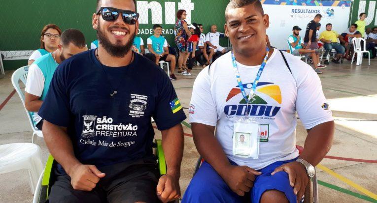 Afonso de Santana Filho da delegação sergipana e o atleta da delegação de Uberlândia, Minas Gerais
