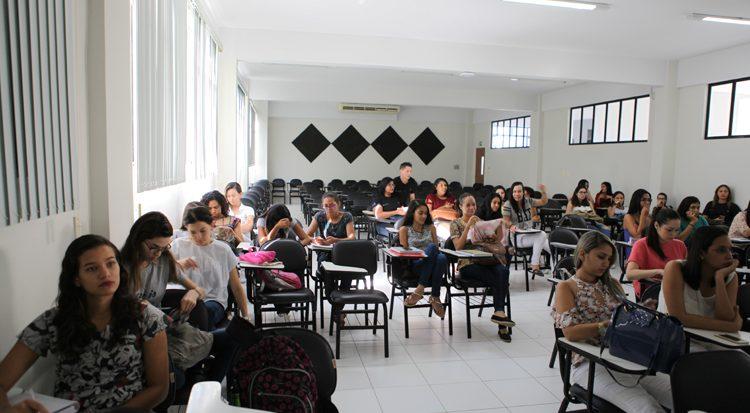 A participação dos alunos no evento demonstra o interesse pelo tema