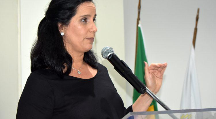 A doutora Juliana Cordeiro fala sobre os editais