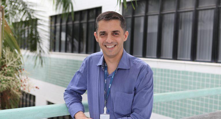 Coordenador dos cursos de Informática da Unit, professor Fábio Santos