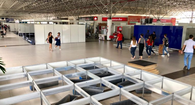Estrutura da Feivest 2019 começa a ser montada no mini shopping do Campus Unit Farolândia
