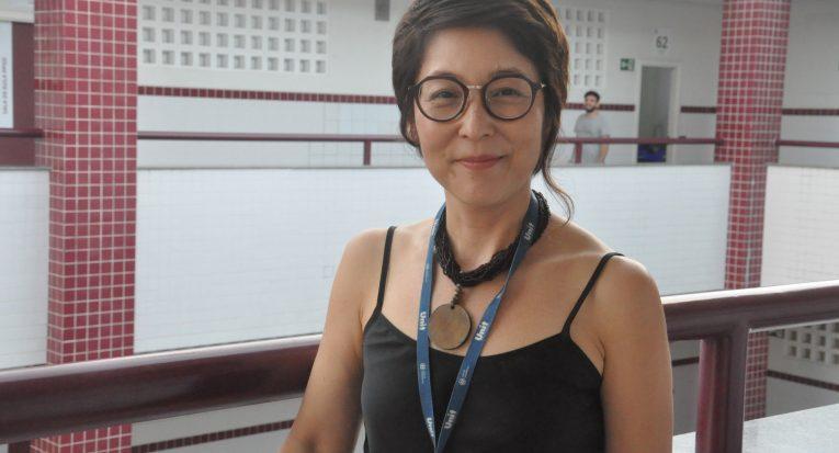 """""""É fundamental conhecer as causas psíquicas que dificultam o processo de aprendizagem para que se possa trabalhá-las"""",  salienta a professora Nanci  Mitsumori"""