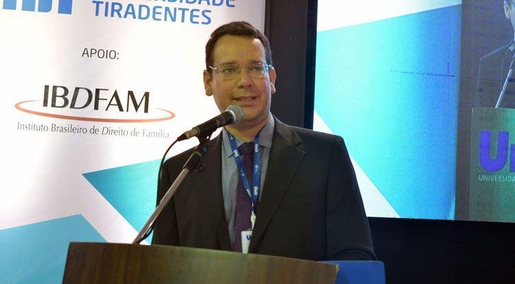 O coordenador do curso de Direito da Unit, professor Mário Jorge Fortes (Foto: Arquivo)