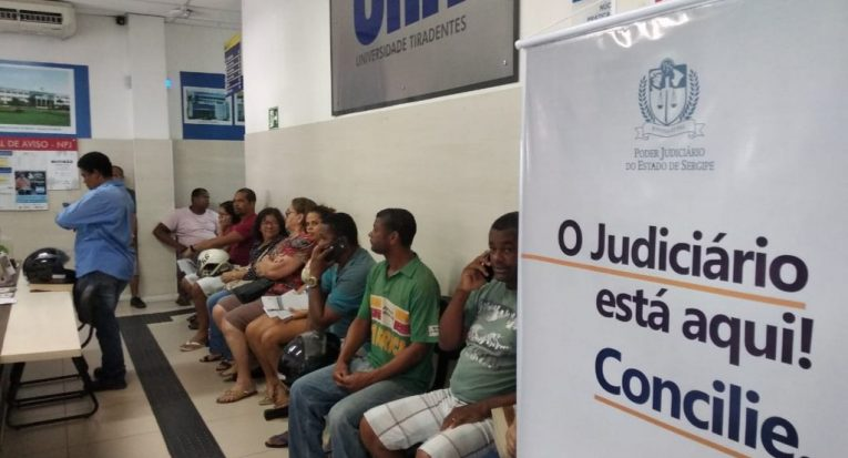 Mutirão de conciliação do Tribunal de Justiça no NPJ da Unit Sergipe, em Aracaju (Arquivo)